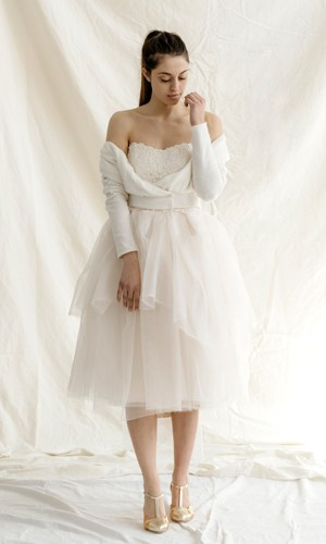 scarpetta-di-venere-scarpe-artigianali-sposa-Azzurra-indossata-1