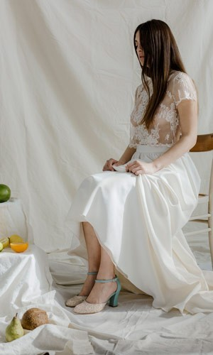 scarpetta-di-venere-scarpe-artigianali-sposa-Noce-acqua-indossata-1